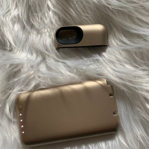 iPhone 7 gold mophie case